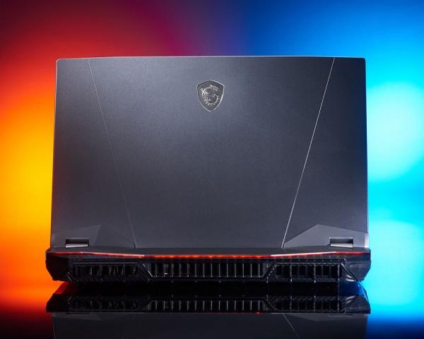 Notebook msi gt76 titan dt 9sf (rtx2070 8gb),17.3 uhd,240hz tb,rgb cf refresh i7-9700k+z390,16gb*2,512gb*2 ssd+1tb,w10pro, 6gb gddr6